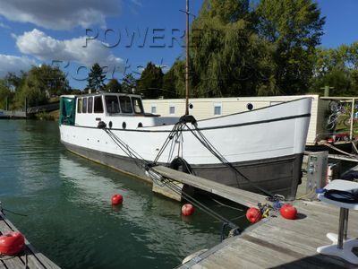 Dutch Steel Cruiser Ancien Bateau De Pêche Transformé En Vedette Fluviale