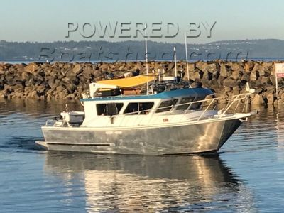 Cold Water 3700 Pilothouse