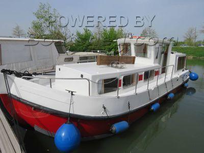 Locaboat Penichette 935 ex hire cruiser