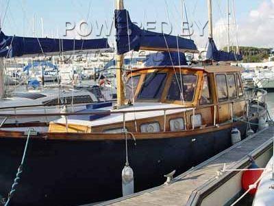 Nauticat 33 (velero)