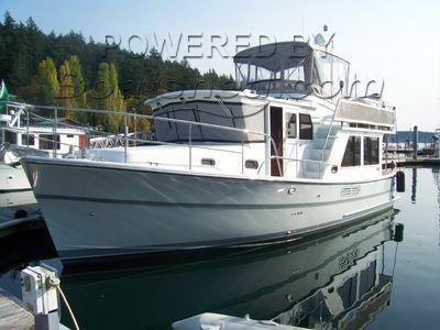 Helmsman Trawlers 38E Pilothouse