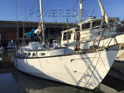 Bruce Roberts Spray 36 Steel sailing cruiser