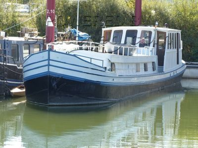 Luxemotor Dutch  Barge TRIVW renewal in process