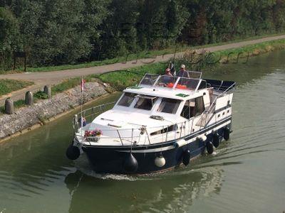 Dutch Steel Cruiser Live aboard possible