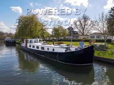 Dutch Barge 24m with Thames mooring