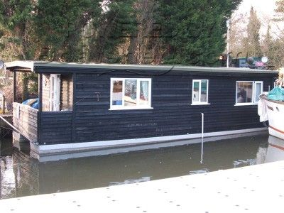 Purpose Built Houseboat