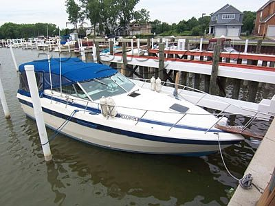 Chris Craft 332 Commander