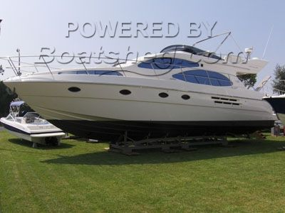 Azimut 46 Three cabin version