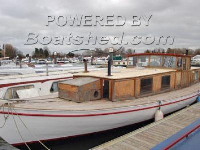 RJ Prior & Son Houseboat