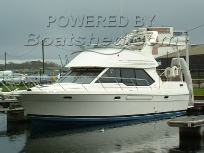 Bayliner 3587 Luxury Flybridge Cruiser