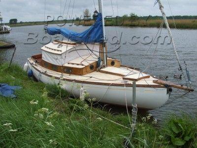 Landamores Broads sailing cruiser