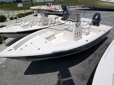 Cobia 19 Bay Boat