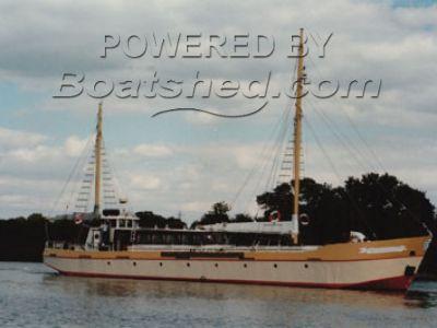 Dutch Barge 98