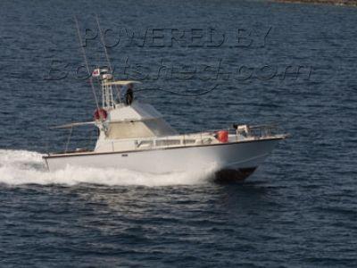 P Caruana & Bros  38 Flybridge Sportfisher