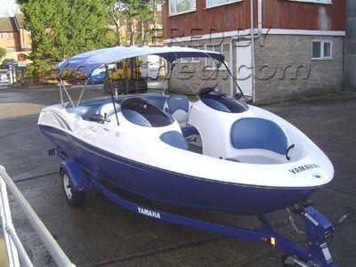 Yamaha LX 2000