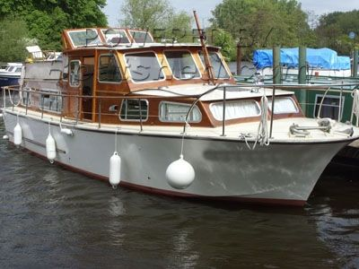 GRP Motorboat 34'