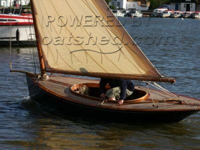 Halcyon Keel Catboat