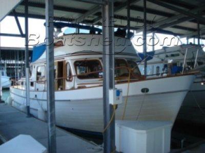 Ocean Alexander 40 Tricabin