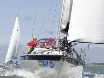 Jukebox J109 wins the Gosport Charity Pursuit 2017
