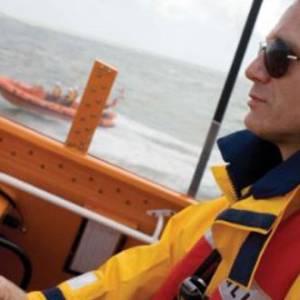 Daniel Craig supports RNLI's lifesaving mission