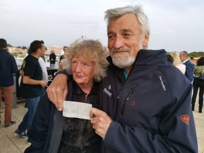 Golden Globe Race Awards £5000 Winner Prize from Boatshed