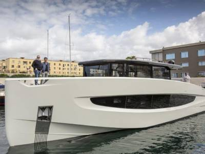Evo Yachts launches Evo V8