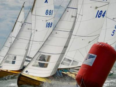 Sparkling Solent conditions for Cowes Classics Week opener