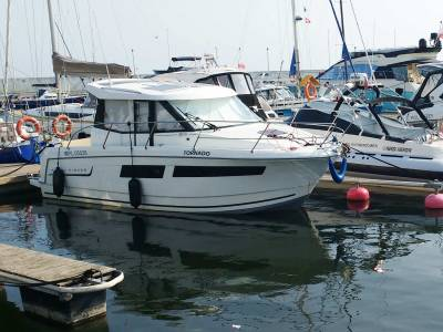 Make a referral - List a boat with us and earn 20% of the brokerage commission