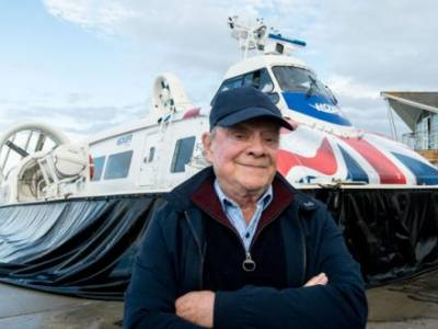 Hovertravel welcomes Sir David Jason for Great British Inventions