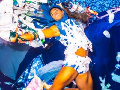 Ballet star dances with  plastic