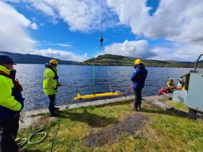 Royal Navy partners with UK firms to create marine robotics training centre