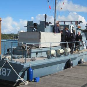 BUCKLER'S HARD MARITIME MUSEUM BECOMES AN AFFILIATE OF THE NATIONAL MUSEUM OF THE ROYAL NAVY AT CEREMONY ON HMS MEDUSA