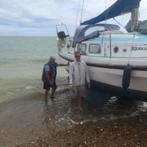 Boatshed Brighton's Intrepid Dan and Squeezebox's Beaching Adventure!