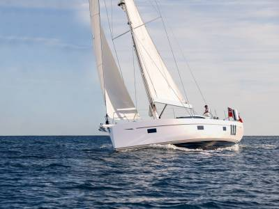 B&G partners with Oyster Yachts