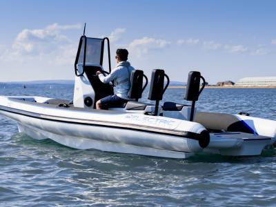 """""""World's first"""" electric RIB to debut at The Green Tech Boat Show 2021"""