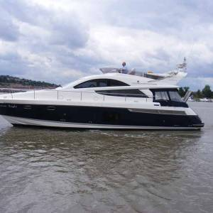 Boatshed Medway review the Fairline Phantom 48