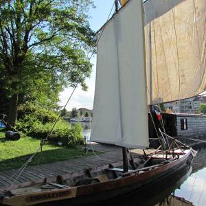 River Loire sailing barges promote wine from the Côte Roannaise