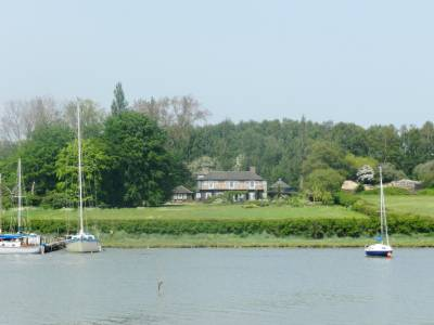Houses for sale with moorings #Essex