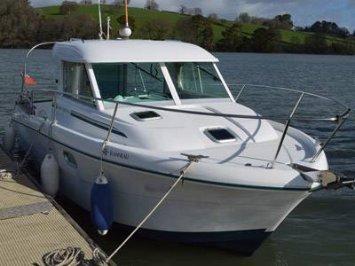 Exceptional Jeanneau Merry Fisher 695 for sale