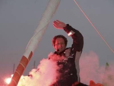 Michel Desjoyeaux Wins The 2008-09 Vendee Globe