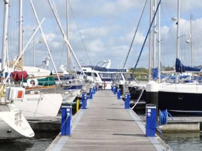Island Harbour mooring info