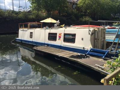 5 Things You Need to Know Before Buying a Narrowboat in London