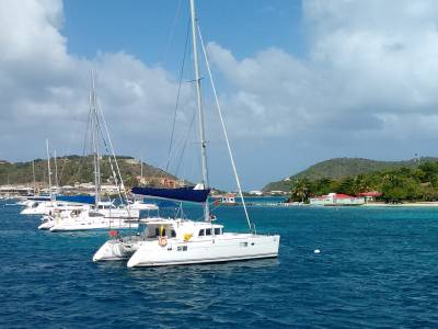Tropical islands and Caribbean sailing