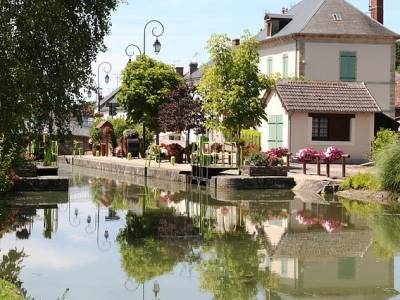 Buy a boat in France; Back through the French Canals.
