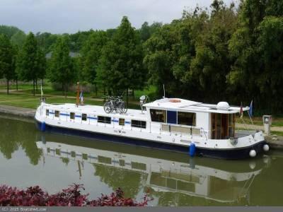 Pénichettes®, inland waterways adventure & innovating technology