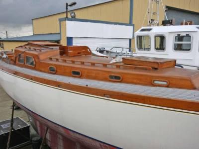 Boatshedkent.com Yacht Brokers review Morgan Giles 43' Sailing Yacht