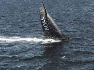 Alex Thomson returns to racing action