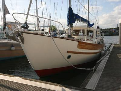 Boatshed Medway Yacht Brokers Review the Fisher 34'