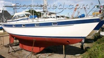 Go blue water sailing on cruising boats 39-43ft for sale by Boatshed.com